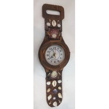 Decorative Wall Clock in Wooden Wrist Watch Design, Decorated with Sea shells